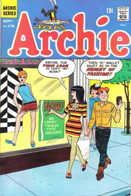Archie 176 - Store Window Display - Fashion - Wallet - Thin Look - Dresses