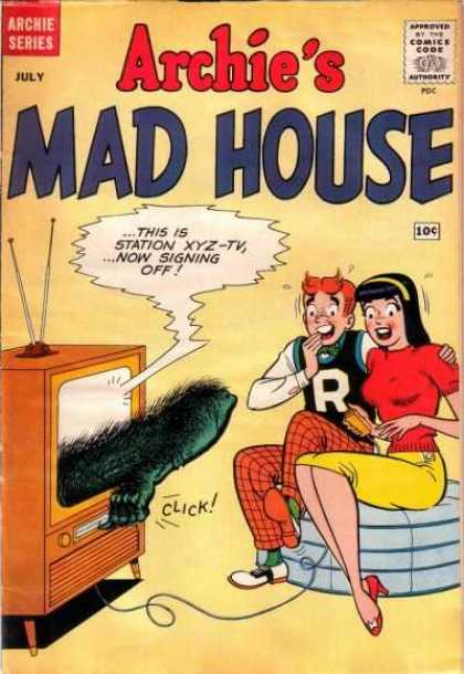 Archie's Madhouse 6 - Television - Ghost - Scared Girl - Station - Sofa