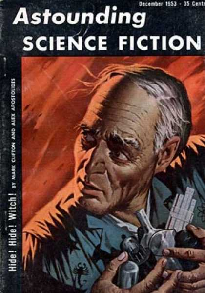 Astounding Stories 277 - Scientist - Scorpion - Experimentation - Nervous - Running Away