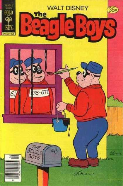 Beagle Boys 42 - House - Painting - Masks - Mailbox - Gold Key