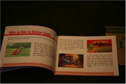 Books About Video Games - The Legend of Zelda NES Original Instruction manual (SMALL INSTRUCTIONS BOOKLET