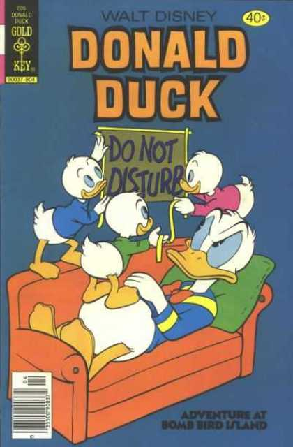 Donald Duck 206 - Gold Key - Do Not Disturb - Adventure At Bomb Bird Island - Pillow - Board