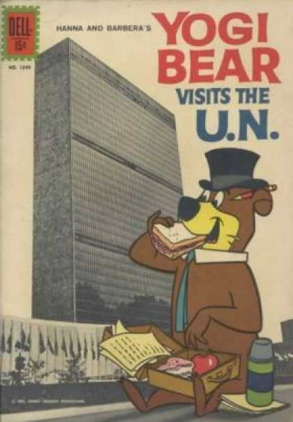 Four Color 1349 - Dell - Yogi Bears Vists The Un - Hanna And Barberas - Sandwich