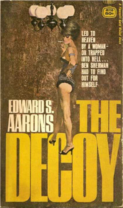 Gold Medal Books - The Decoy - Edward S. Aarons
