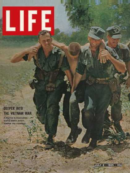 Life - Wounded marine evacuated in Vietnam
