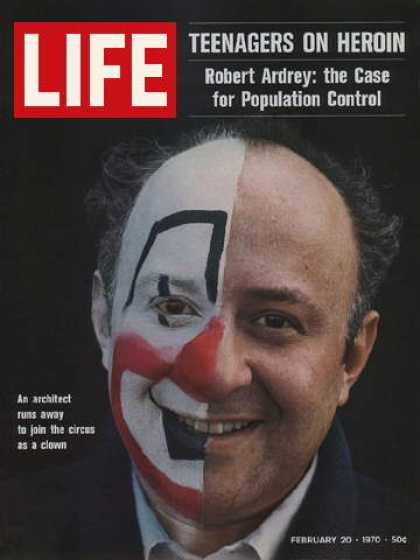 Life - Architect turned clown