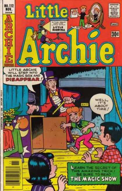 Little Archie 112 - Magician - Box - Wand - Stage - Crowd