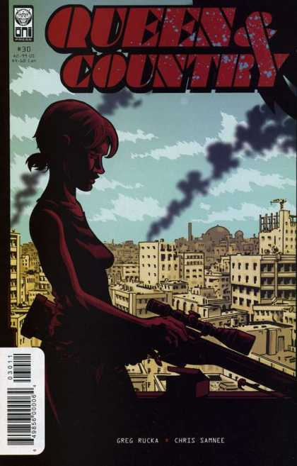 Queen & Country 30 - Greg Rucka - Chris Samnee - Smoke - Damaged Buildings - Rifle - Brian Hurtt