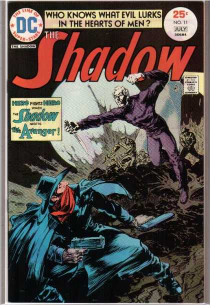 Shadow (Comic) 11 - Avenger - Dc - No 11 - Moon - Fighting