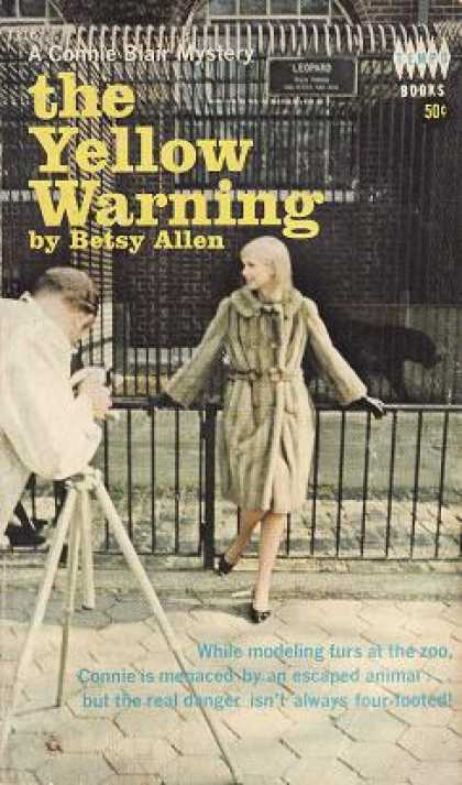 Vintage Books - The Yellow Warning - Betsy Allen